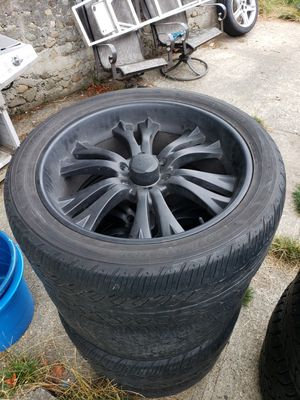 22s 6x5.5 wheels and tires for Sale in Issaquah, WA