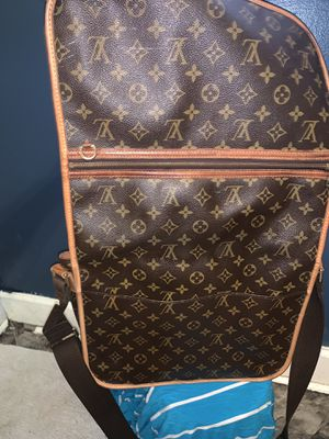 100% authentic lv messenger bag for Sale in Riverdale, GA
