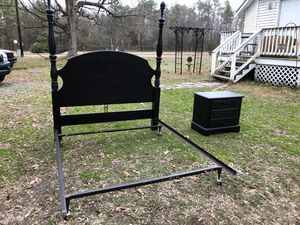 Queen bed frame for Sale in Richmond, VA