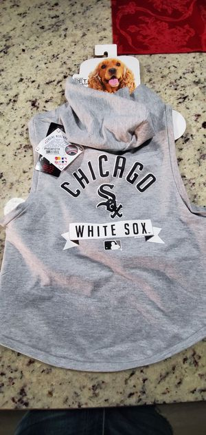 Chicago white Sox pet hoodie 1x for large dogs nice for xmas gift $10 for Sale in Northlake, IL