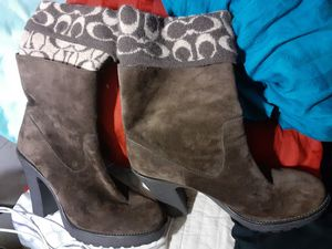 Coach boots like brand new size 8m for Sale in Covington, KY