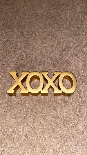 "gold ""xoxo"" room decor piece for Sale in Merced, CA"