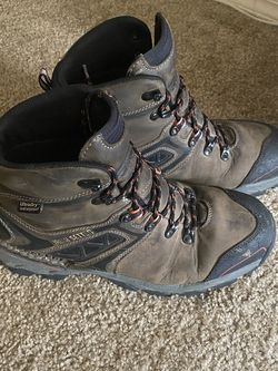 Red Wings Irish Setter Boots 10.5 for Sale in Beaverton,  OR