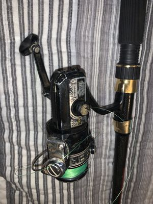 4 fishing rod and reels . shock model cabelas 8066 fiber hlass and vintage reels . for Sale in Commerce City, CO
