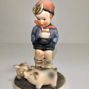 Goebel Hummel Farmboy With Piglets Figurine for Sale in Brooklyn, NY