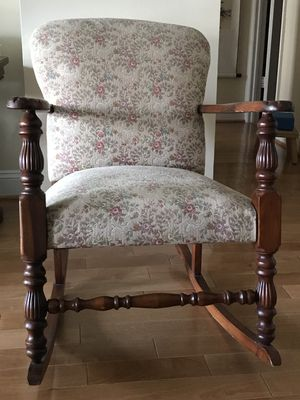 Upholstery rolling chair for Sale in Arlington, VA
