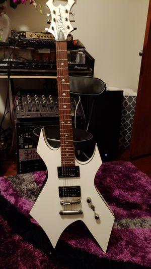 Revenge b.c.rich. es buena guitarra for Sale in Bell, CA