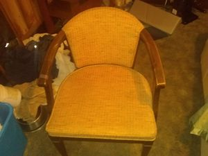 Chair antique for Sale in Williamsport, PA