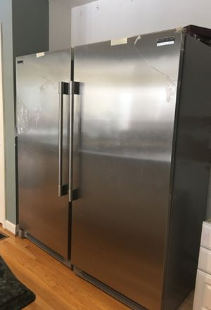 Frigidaire professional series Refrigerator and Freezer for Sale in MONTGOMRY VLG, MD