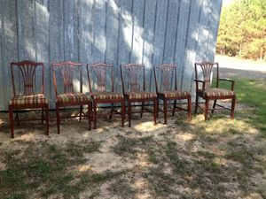 Antique Table and Chairs for sale for Sale in Spearsville, LA