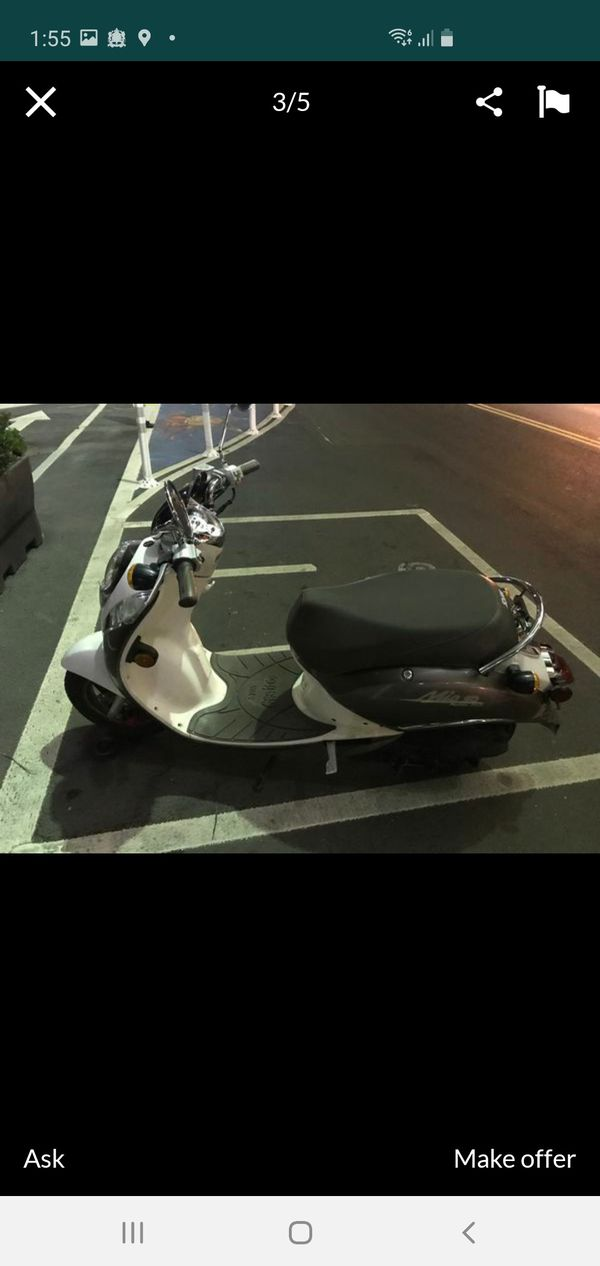 Sym mio scooter/moped