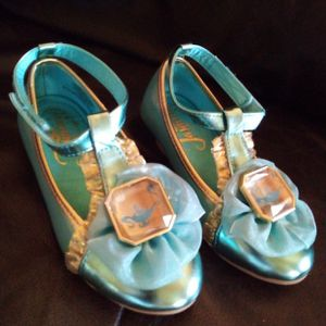 Princess Jasmine Shoes Size 9-10 Like Nw Conditions For Only $10 for Sale in Miami, FL
