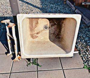 American standard utility sink!! (Vintage cast-iron) for Sale in Los Angeles, CA