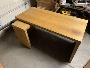 Ikea desk. for Sale in Tacoma, WA