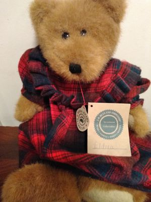 $6 OBO Boys Bears Doll Toy Collectible Girl in Plaid wool Gown for Sale in Nashville, TN