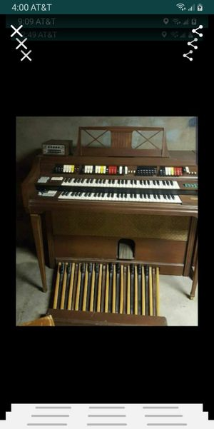 Organ with bench for Sale in Colton, CA