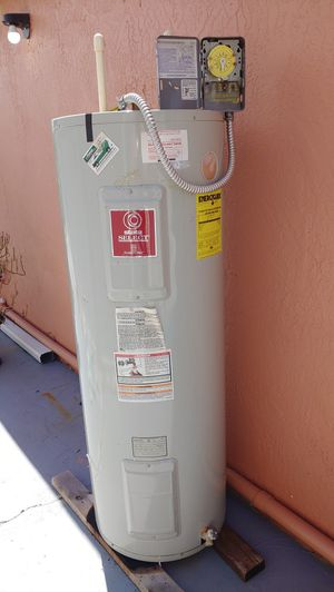 50 gallons water heater for Sale in Orlando, FL