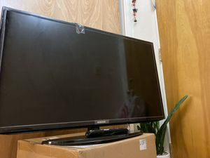 Samsung 40 inch Smart TV + remote for Sale in Berkeley, CA