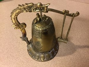 Unique Vintage Oriental Dragon Bell with Pendulum Mallet for Sale in Goodlettsville, TN