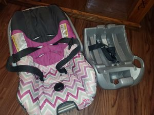Matching Car seat and Base for Sale in Columbia, MO