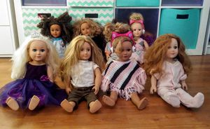 """Set of 8 Various Brands of 18"""" Dolls w/ Lots of Doll Clothes for Sale in Phoenix, AZ"""