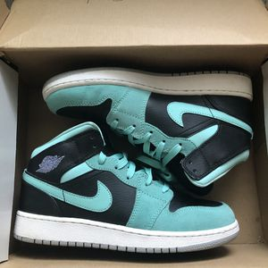 Womans Nike Air Jordan 1 Mid Black/Jade (Size 5.5Y) for Sale in Eastvale, CA