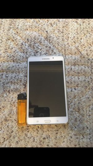Mint Samsung tablet with power chord and box for Sale in Sterling Heights, MI