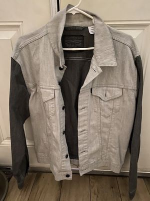 Levi's two tone denim jacket size large for Sale in Los Angeles, CA