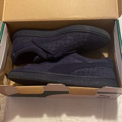 Blue Suede Pumas for Sale in Livonia,  MI