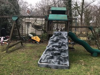 Jungle Gym Swing Set (Free) for Sale in Cherry Hill,  NJ