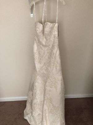 Size 6 Dress for Sale in Fort Leonard Wood, MO