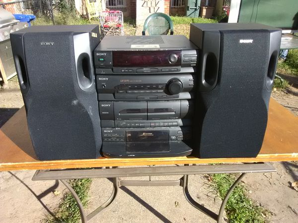 300 Watts Sony stereo system with 5 discs CD player plus speakers