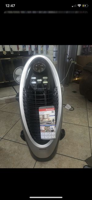 Honeywell Ac 175 sq ft for Sale in Fontana, CA