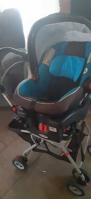 Graco click connect stroller and carseat for Sale in Highland, CA