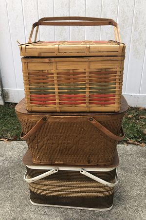 Vintage Picnic Baskets $10 each or all $25 for Sale in Chesapeake, VA