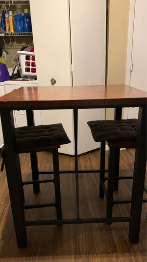 Wooden kitchen table for Sale in Reynoldsburg, OH