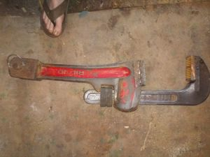 60 inch Rigid Pipe Wrench for Sale in Cuba, MO
