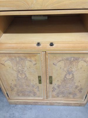 ILLUMINATED CHINA CABINET TV CONSOLE CORINTHIAN DESIGN ANTIQUE FURNITURE for Sale in San Diego, CA