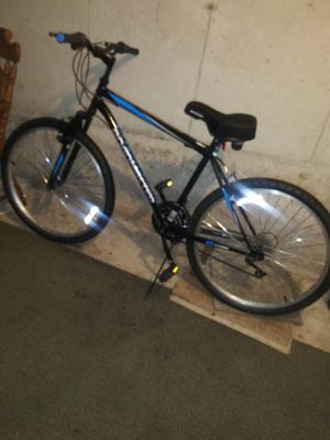 BRAND NEW ROADMASTER MOUNTAIN BIKE for for Sale in New Britain, CT