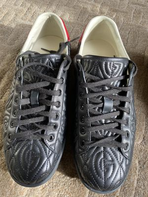 Gucci men shoes not new good condition Size 8 for Sale in Pompano Beach, FL
