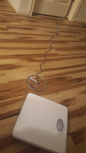Bathroom Scale & Toilet Paper Holder for Sale in Dickinson, TX