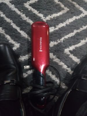 Remington hair straightener for Sale in Kansas City, MO