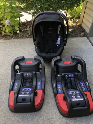 Britax B-Safe 35 XE Infant Car Seat + Extra Base for Sale in West Bloomfield Township, MI