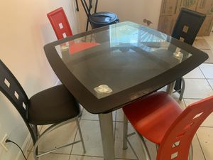 CUSTOM KITCHEN HIGH TABLE/CHAIRS for Sale in Miami, FL