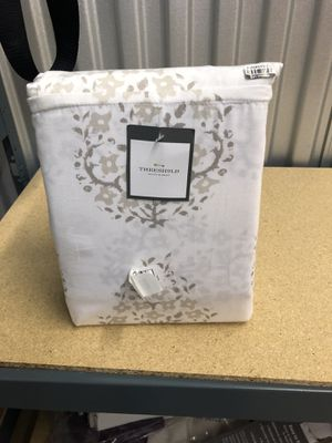 Performance Solid Sheet Set (Full) Block Print Paisley White for Sale in Commerce Charter Township, MI