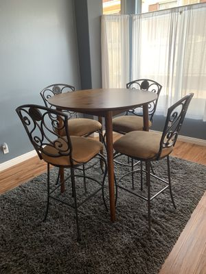 Bar stools and modern wooden table for Sale in Costa Mesa, CA