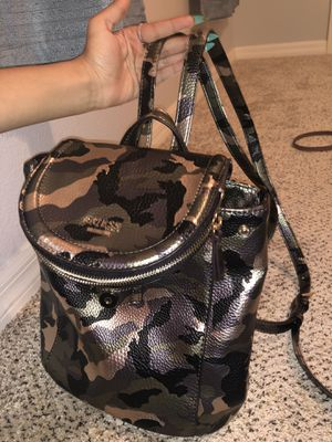 GUESS SMALL BACKPACK PURSE for Sale in Land O Lakes, FL