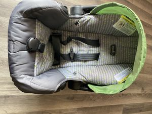 Evenflo car seat for Sale in South Bend, IN
