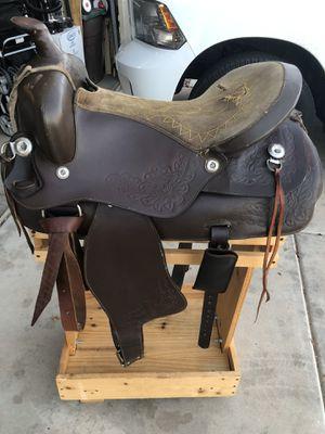 Horse saddle without stirrups for Sale in Phoenix, AZ