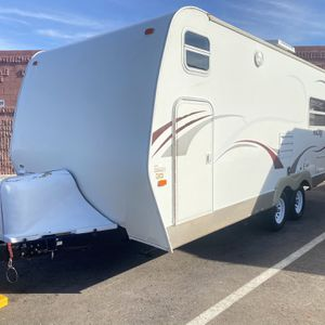 09 Malibu 23ft Travel trailer for Sale in Mesa, AZ